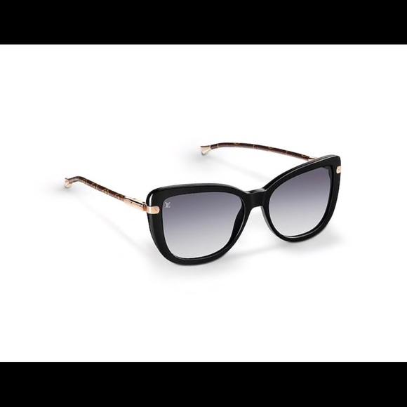 1aa82c6e568b Louis Vuitton Sunglasses (Charlotte fold black).